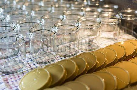 کارخانه تولید شیشه عسل